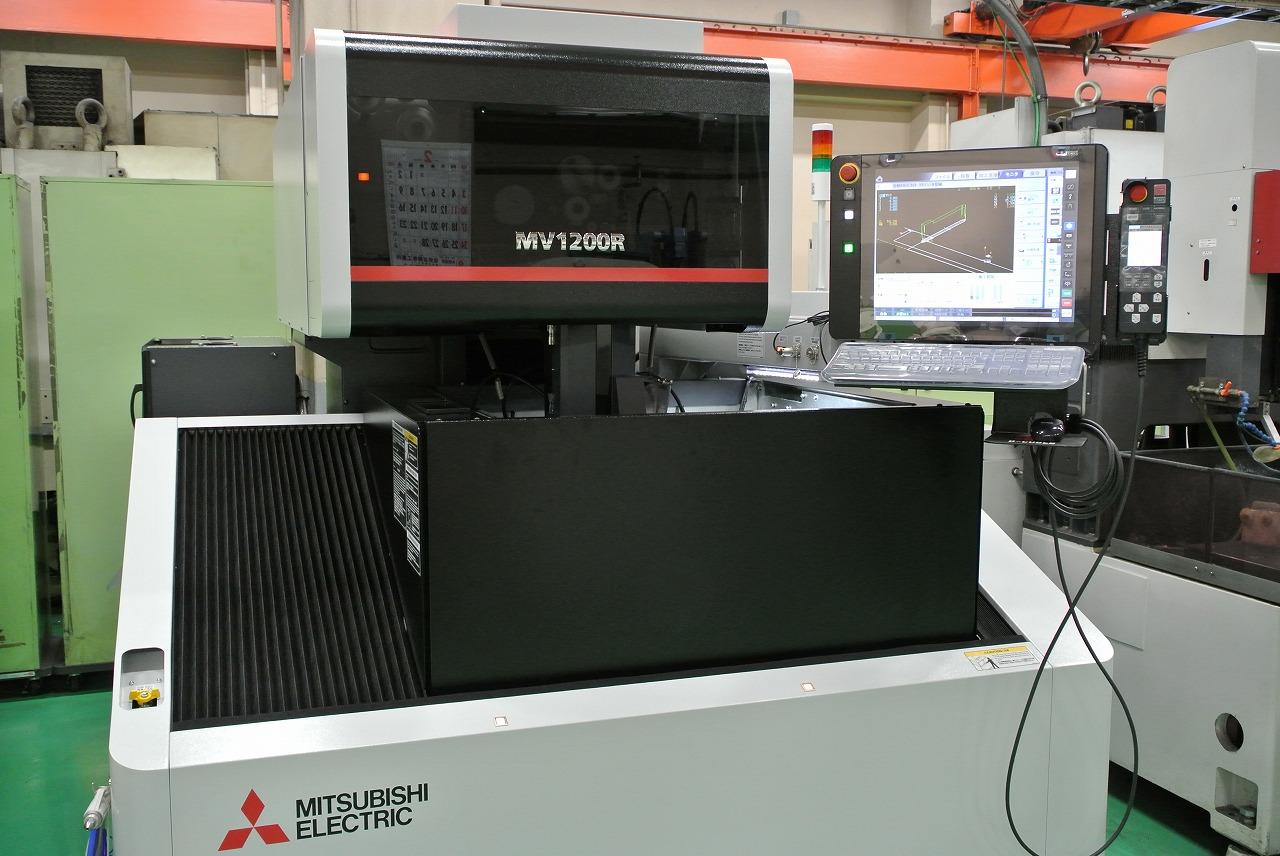 ワイヤー放電加工機導入全社11台体制確立(三菱電機製MV1200R D-CUBES)